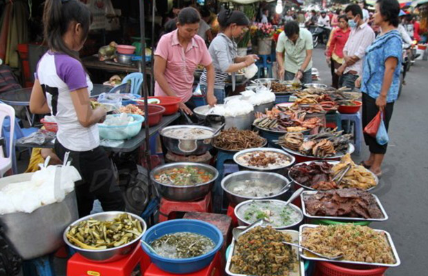 Amazing Phnom Penh Street Food Tour