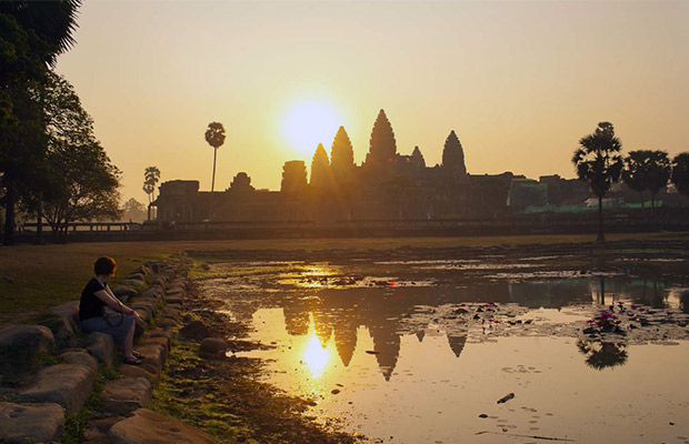 Angkor Wat Temple Sunrise Tour