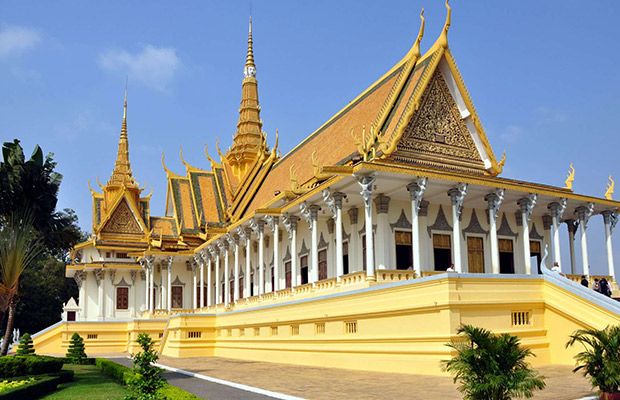 Beautiful Phnom Penh Private City Tour