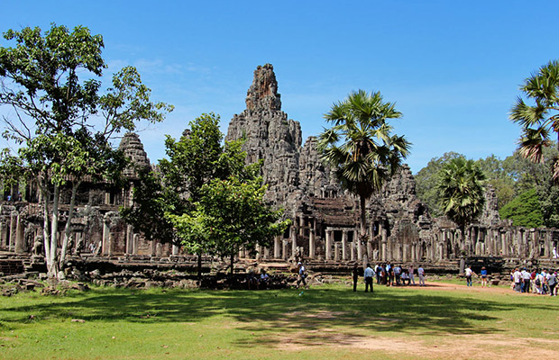 Explore Angkor Thom, Ta Prohm & Angkor Wat Day Tour