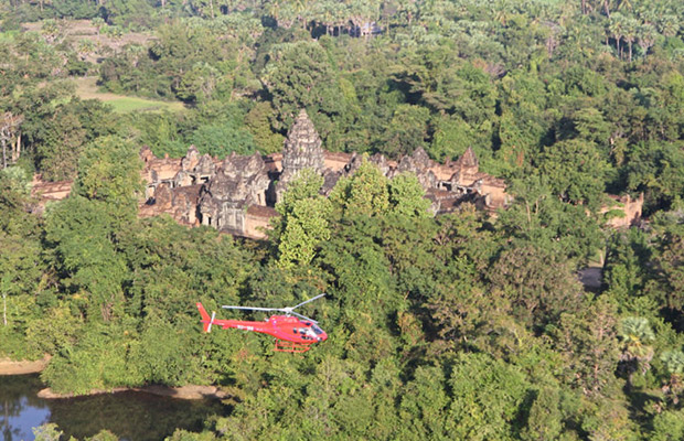 Helicopter Tour at Angkor Wat Temples and Khmer Dinner