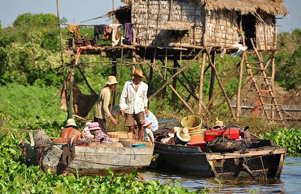 Kompong Khleang Floating Village Tour