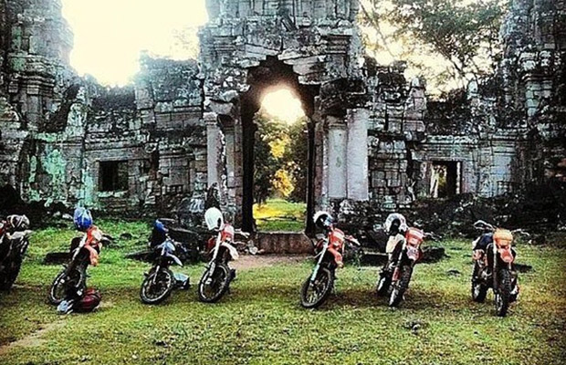 Off-Road Bike Angkor Wat Sunrise